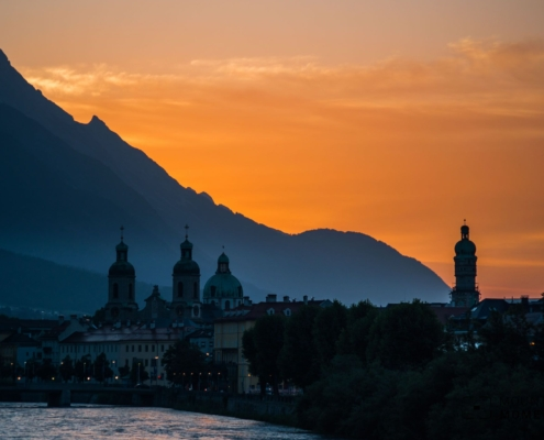 """Where """"Urban"""" and """"Alpine"""" Meet - Unique Photo Opportunities in Innsbruck"""