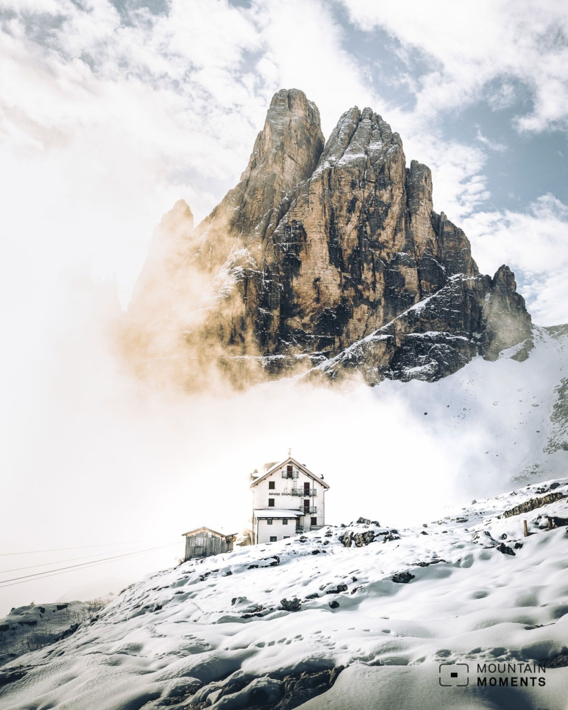 . Alpine photographers use the huts as starting points for climbing the various via ferratas and get even more impressive views from a bird's eye view. Sign up for your photography adventure on Mountain Moments website