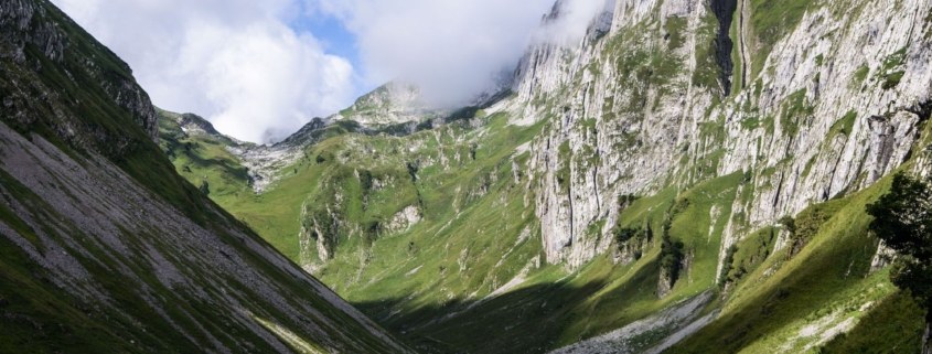 The Best Photo Vantage Point in Switzerland? Backpack and Discover Saxer Lucke!