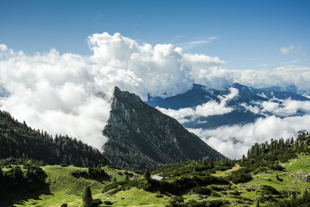 Wonderful hike from the Rofan cable car towards Hochiss